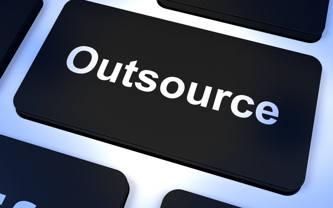 5 Pros and Cons to Outsourcing Your Web Design Projects
